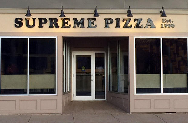 Whitman pizza shop moves into new space